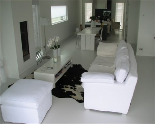 White Seamless Poured Resin Flooring Luxury Apartment North London